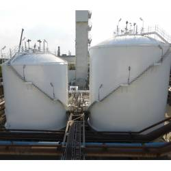 Low pressure flat bottom tanks