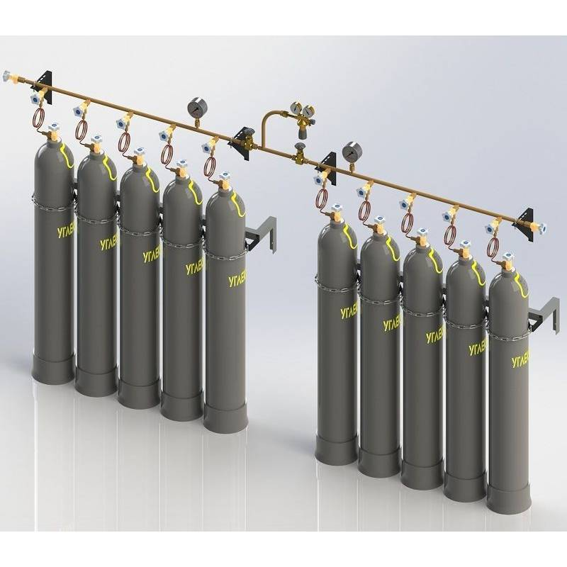 Cylinder discharge manifold for industrial gases